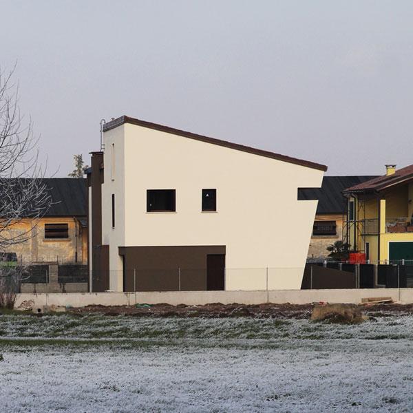 N+S HOUSE